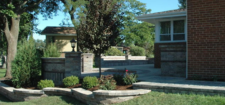 Chicago Landscape Contractor | Illinois Hardscapes | Patios, Pavers, Retaining Walls, Water Features | Libreri Landscape Contractors